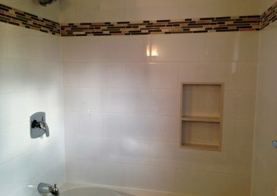 Tiled tub surround